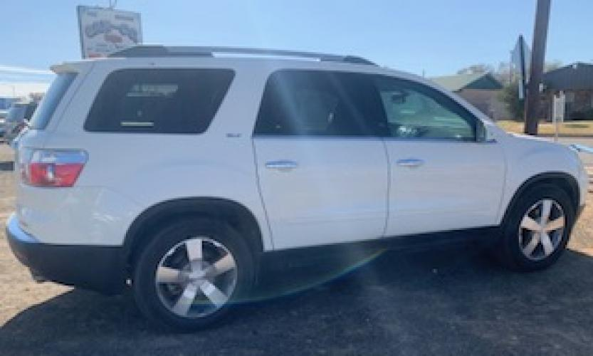 2010 GMC Acadia SLT-1 FWD (1GKLVMED3AJ) with an 3.6L V6 DOHC 24V engine, 6-Speed Automatic transmission, located at 821 N. Prince Street, Clovis, NM, 88101, (575) 762-8852, 34.406643, -103.195999 - Photo #0